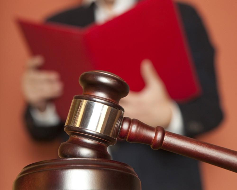 Суд отправил пятерых курян в колонию за похищение человека и вымогательство